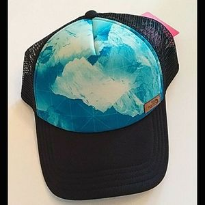 """North Face trucker hat """"photobomb"""" blue and black"""